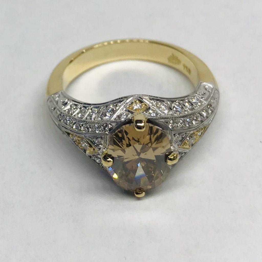 Cognac Diamond & Filigree white diamond set Ring with yellow gold inlays side view